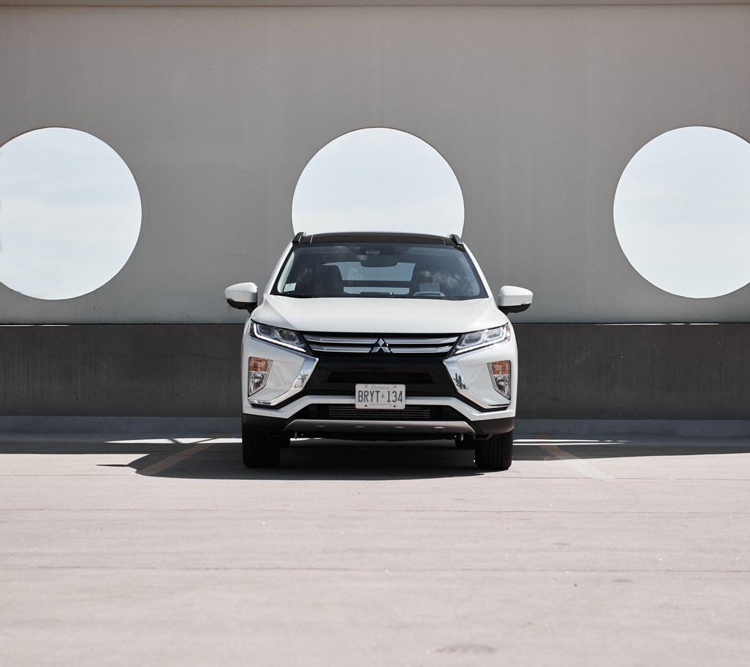 l'avant du Mitsubishi Eclipse Cross 2020 couleur blanche